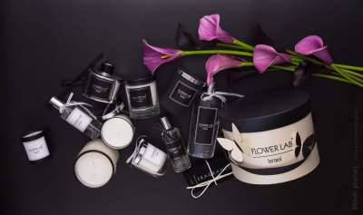 Composition for Flowerlab with candles, aromas and branded box