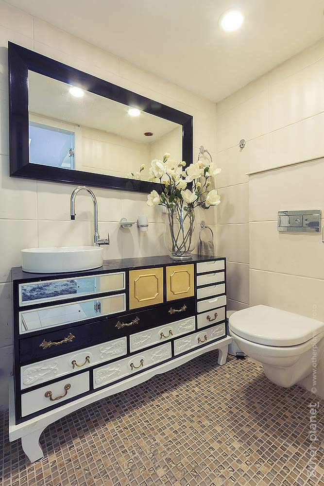 Eclectic style restroom interior
