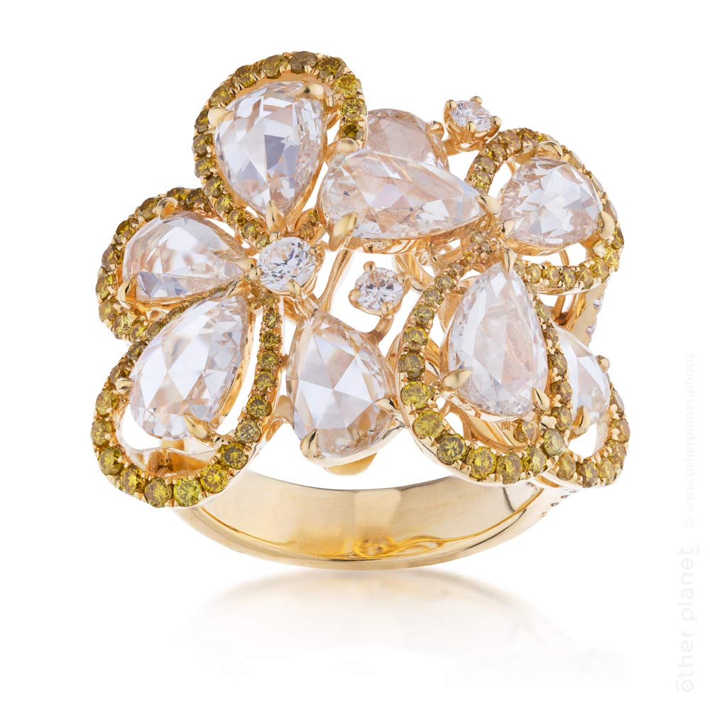 Gold ring with massive diamonds design by IDC