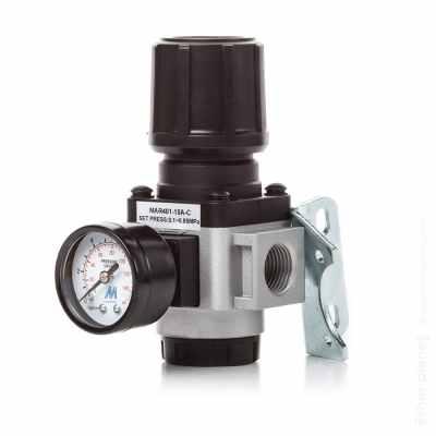 Industrial pressure gauge packshot