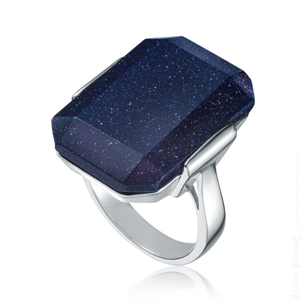 Night sky stone fashion ring