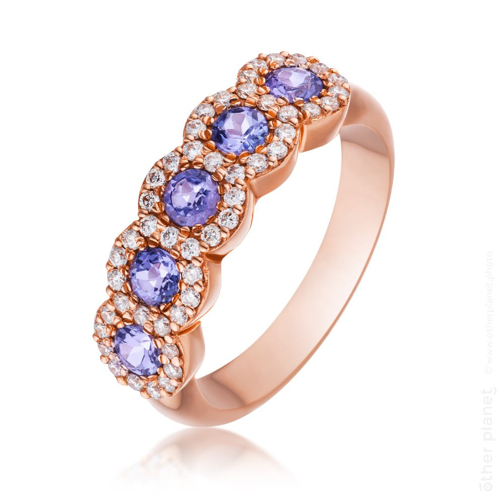 jewelry photography golden ring with diamonds